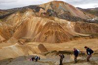 Se-landmannalaugar-hiking