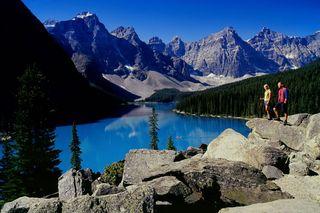 Alberta-moraine-lake-ta